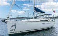 Sailboat Beneteau Oceanis 37 for rental