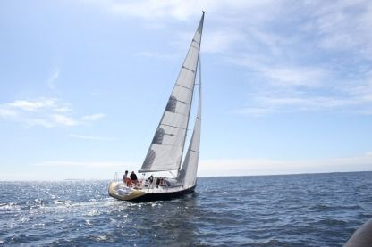 Rental Sailboat Jeanneau One Design 35 Bénodet