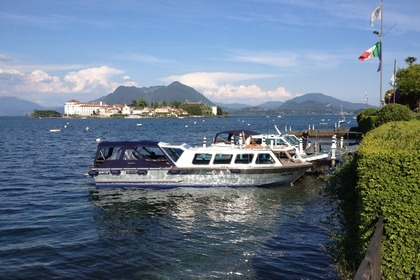 Rental Motorboat TAXI BOAT LUXURY Stresa