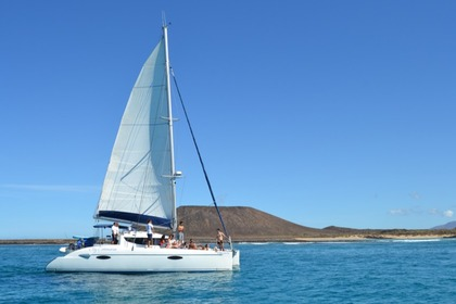 Rental Catamaran Fountaine Pajot Lavezzi Corralejo
