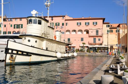 N.c Ex Tug Canadese in Portoferraio for hire