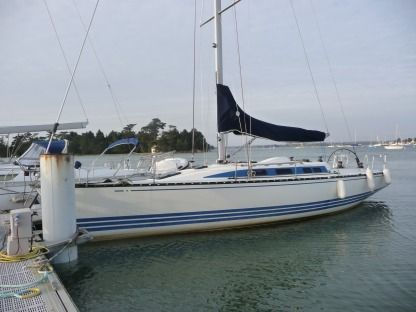 Charter Sailboat X-Yachts X412 Loctudy