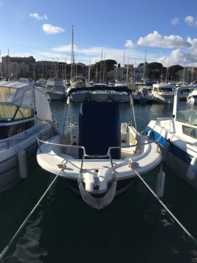 Charter motorboat in Bandol peer-to-peer