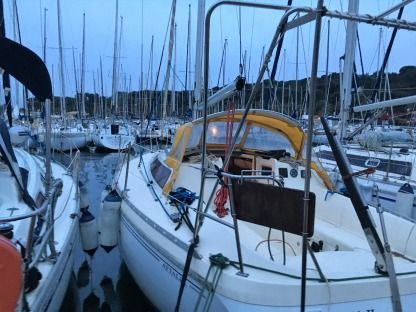 Rental Sailboat Jeanneau Attalia 32 Six-Fours-les-Plages