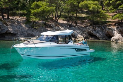 Charter Motorboat Jeanneau Merry Fisher 795 Zadar