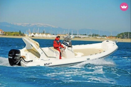 Hire Motorboat NUOVA JOLLY Black find 25 elegance Saint-Cyprien