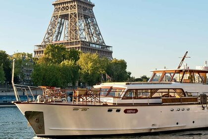 Location Yacht Super Riviera Shivas Paris