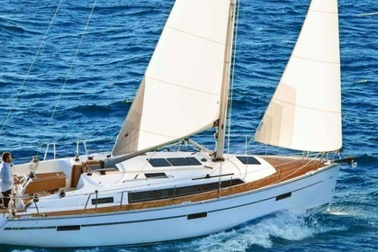 Rental Sailboat BAVARIA 37 CRUISER Rogoznica
