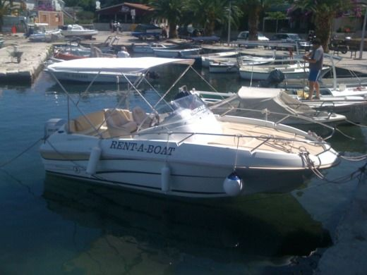 Beneteau Flyer 550 in Trogir for rental