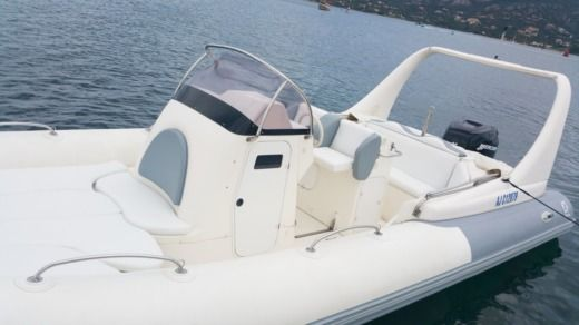 Zodiac Medline III in Porto-Vecchio for hire