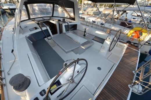 Beneteau Oceanis 48 in Athens for hire