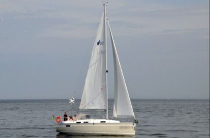 Charter Sailboat Bavaria 32 Avantgarde Gdynia