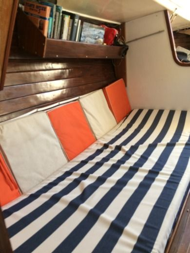 Ohlson 38 Sloop Classic in Cassis for hire