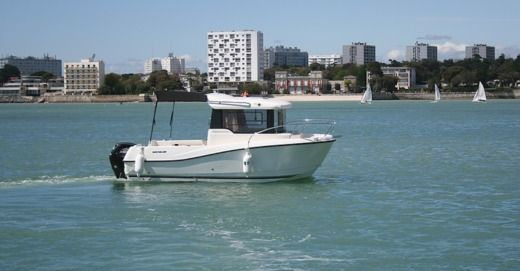 Quicksilver Pilothouse 555 in La Rochelle zu vermieten