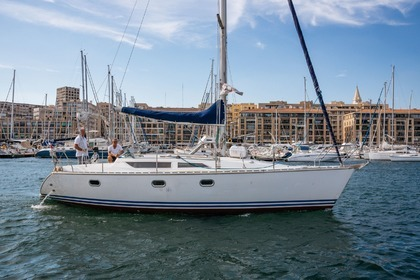 Rental Sailboat JEANNEAU sun odissey 33 Marseille
