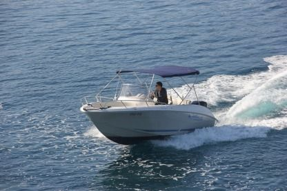 Charter Motorboat Quicksilver Commander 600 Trogir