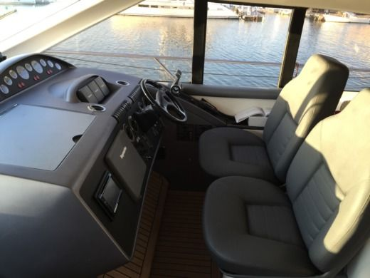 Charter motorboat in Canet-en-Roussillon peer-to-peer