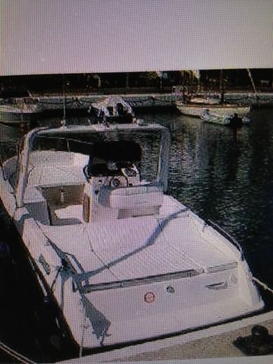 Motorboat Mano Marine 23,5 In Bord peer-to-peer
