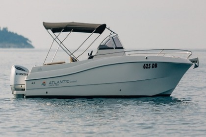 Charter Motorboat Atlantic 750 Sun Cruiser Trogir