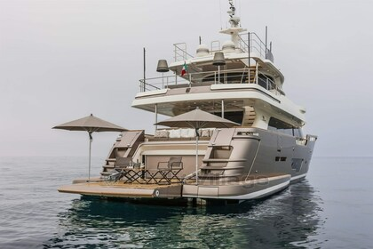 Location Yacht Custom Line Navetta 28 Antibes