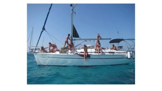 BAVARIA 32 Cruiser in Ibiza peer-to-peer