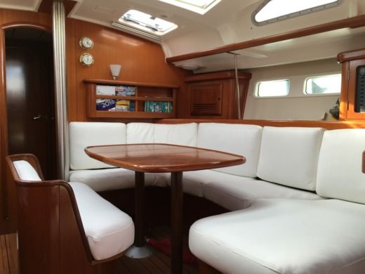 Beneteau Oceanis 423 Performance - Location Avec Skipper Pr en Bandol