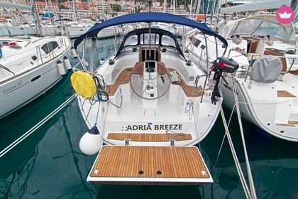 Charter Sailboat BAVARIA 33 CRUISER Split