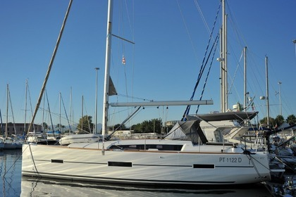 Charter Sailboat DUFOUR 412 Grand Large Portisco