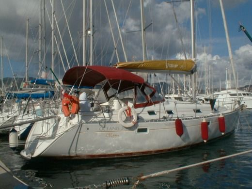 Sailboat Beneteau Oceanis 38 for hire