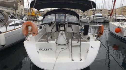 Sailboat Dufour 365 for hire