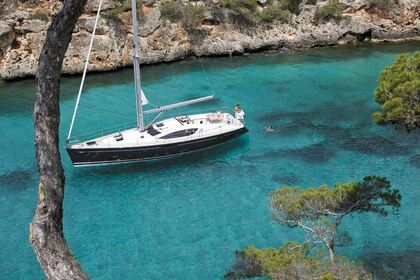 Hire Sailboat JEANNEAU SUN ODYSSEY 50 DS Laurium