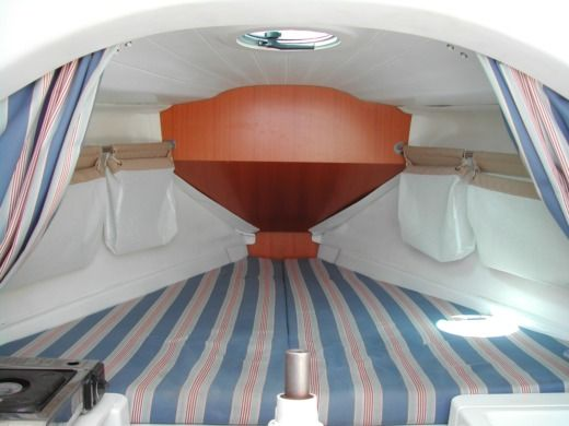Sailboat BENETEAU First 21.7 peer-to-peer