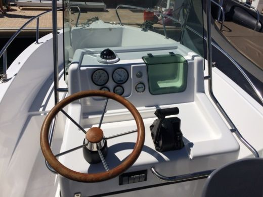 Motorboot KELT White Shark 175 Club zwischen Privatpersonen
