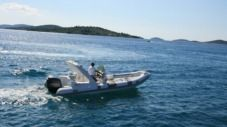 Bat Indian 680 in Vodice for hire