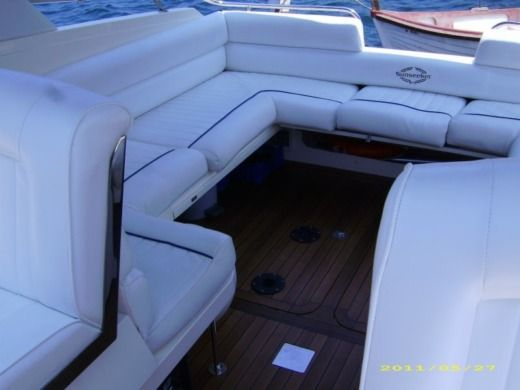 Motorboat Sunseeker San Remo 33 for hire