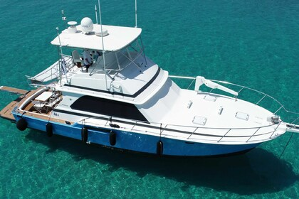 Rental Motorboat BERTRAM 46.6 flybridge Chalkidiki