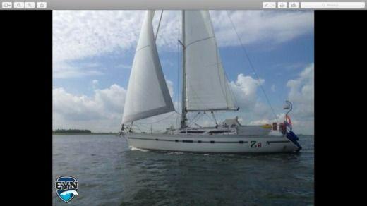 Alquiler jeanneau voyage 12 8 mt en la valeta click boat - Toldos araba ...