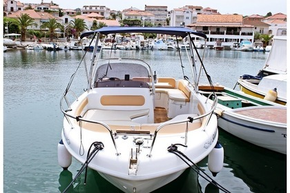 Charter Motorboat SAVER 650 OPEN Split