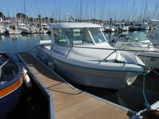 Motorboat OCQUETEAU 6,15 for hire