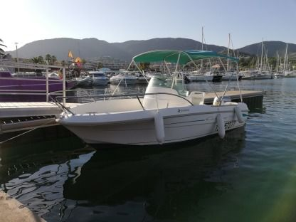 Charter Motorboat Jeanneau 5.45 Cavalaire-sur-Mer