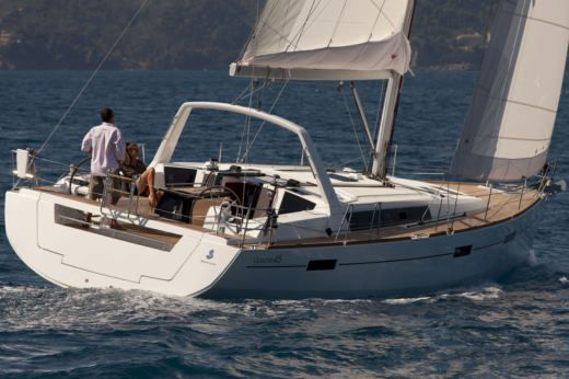 Beneteau Oceanis 45 in Sukošan for hire