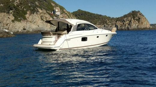 Prestige 390S in Antibes for hire