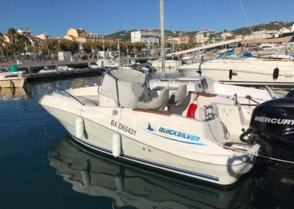 Charter Motorboat Quicksilver 635 Commander Cannes
