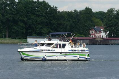 Hire Houseboat TARPON 42 N Fürstenberg/Havel