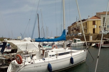 Charter Sailboat BENETEAU FIRST 285 Stintino