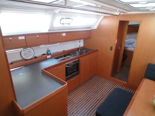 Sailboat Bavaria Bavaria 46 for hire