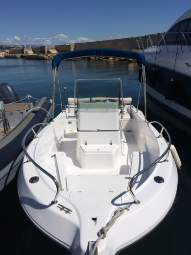 Motorboot KELT White Shark 175 Club zu vermieten