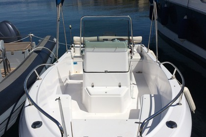 Rental Motorboat KELT White Shark 175 Club Marseille