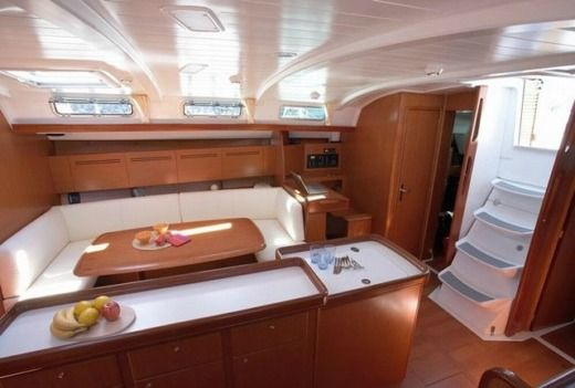 Beneteau Cyclades 50.5 in Santorini for hire
