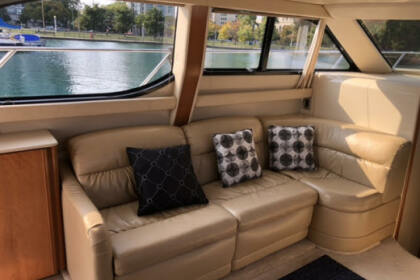 Charter Motor yacht Meridian 341 341 Chicago